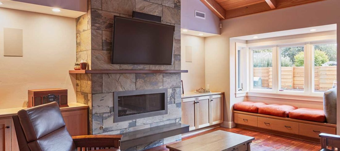Inside The House, Visitors And Residents Invariably Gravitate To The  Spacious, Comfortable Kitchen. U201cEveryone Does,u201d John Nods. Itu0027s The  Inviting 5 Foot By ...